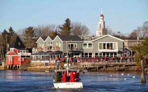 santa-lobsters-lobsterboat-kennebunkport