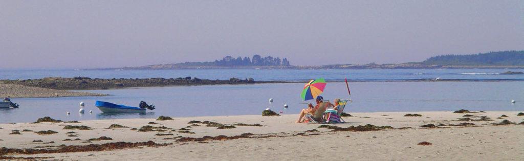 beach-goose-rocks-beach-chairs