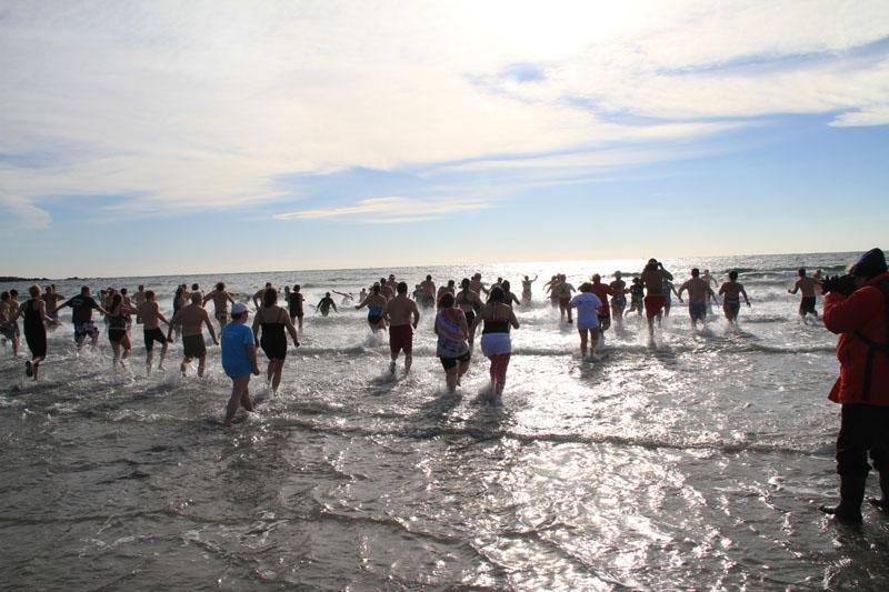 polar-plunge-kennebunk-beach4