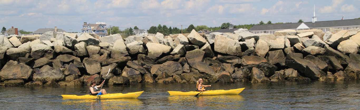 activity-kayakers-kennebunk-river