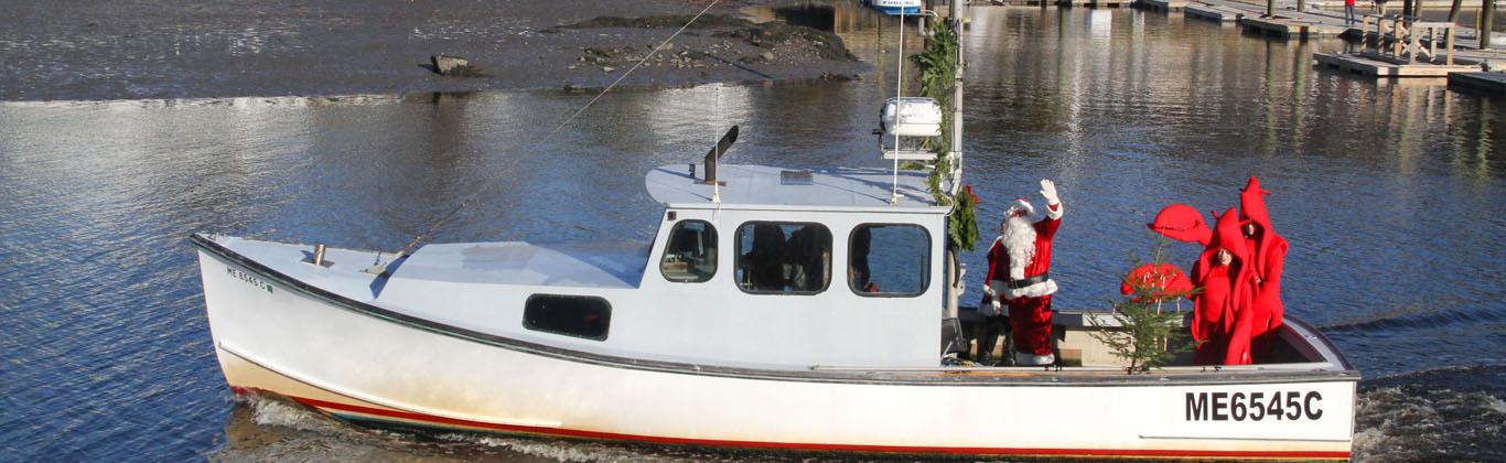 christmas-prelude-santa-boat