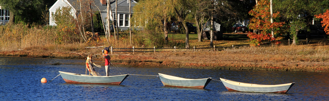 fall-kennebunk-river-scare-crow