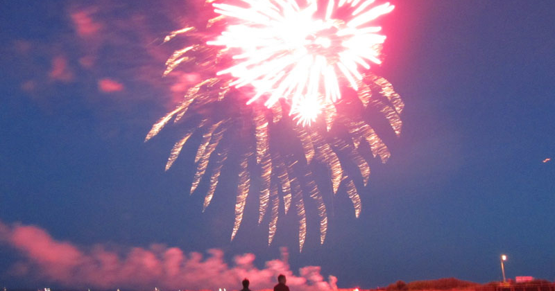 fireworks-kennebunk-beach