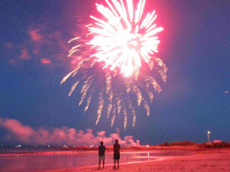 fireworks-kennebunk-beach