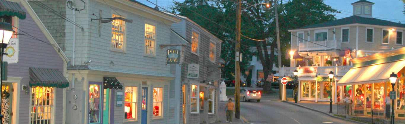 kennebunkport-dock-square-dusk