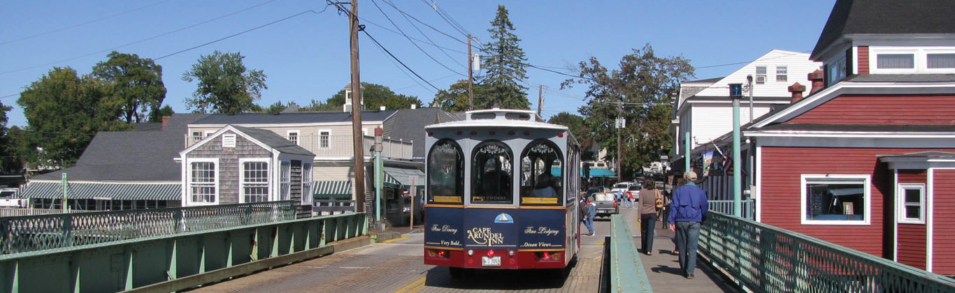 kennebunkport-dock-square-trolley