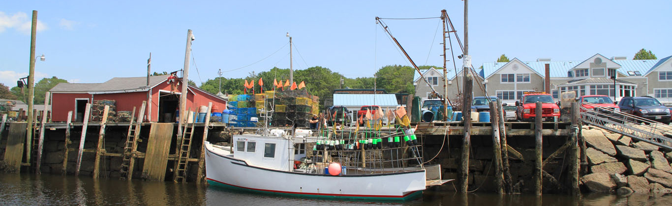 kennebunkport-river-lobsterboat-wharf
