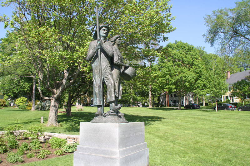 statue-green