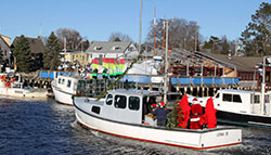 christmas santa lobsterboat kennebunkports