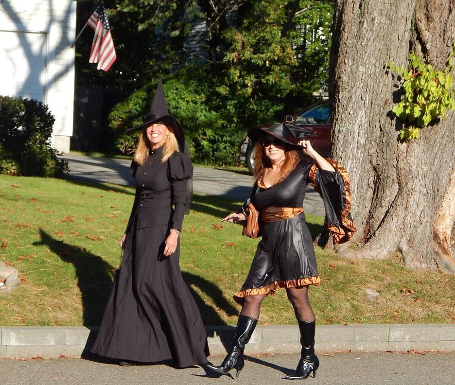 Halloween in Kennebunkport & KenneBoo!